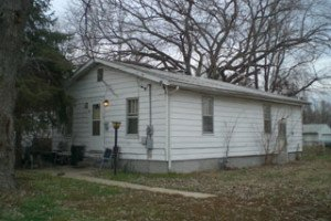 Fine Houses For Rent In Decatur Illinois From Swartz Properties Home Interior And Landscaping Ponolsignezvosmurscom